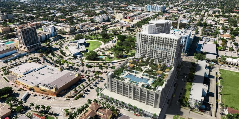 Aerial view of Hollywood Circle, Florida (US) bright sunshine